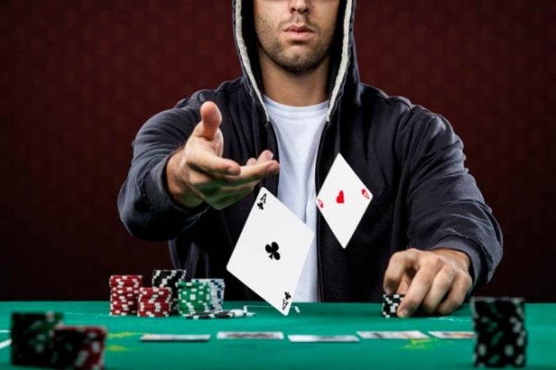 Những người chơi Poker thuộc kiểu Loose-aggressive