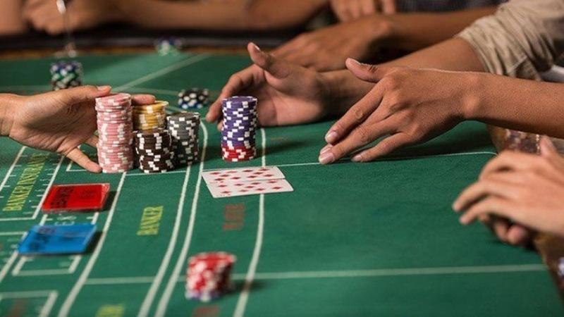 Áp dụng chiến thuật Martingale khi đánh bài như thế nào?